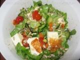 Salata cu branza fripta