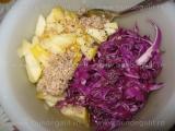 Salata de varza rosie cu mere si hrean «2/3»