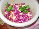 Salata de varza rosie cu mere si hrean «3/3»