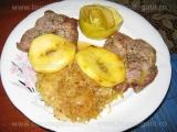 Cotlete de porc cu mere si varza
