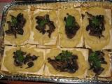 Piure de cartofi cu ciuperci pe foi de placinta-Marioara