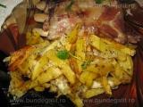 Cartofi prajiti cu branza,la cuptor