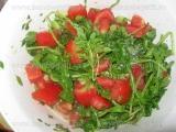 Salata de rucola cu rosii si ceapa verde «3/3»