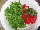 Salata de rucola cu rosii si menta «1/3»