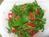 Salata de rucola cu rosii si menta «3/3»