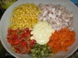 Salata de pui cu porumb si ardei copti «1/3»