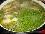 Supa de pui cu mazare,galuste si smantana «1/3»