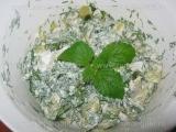 Fasole verde cu usturoi si iaurt