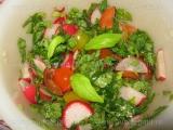 Salata de rosii cherry cu ridichi