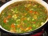 Supa de pui cu frunze de morcov «1/3»